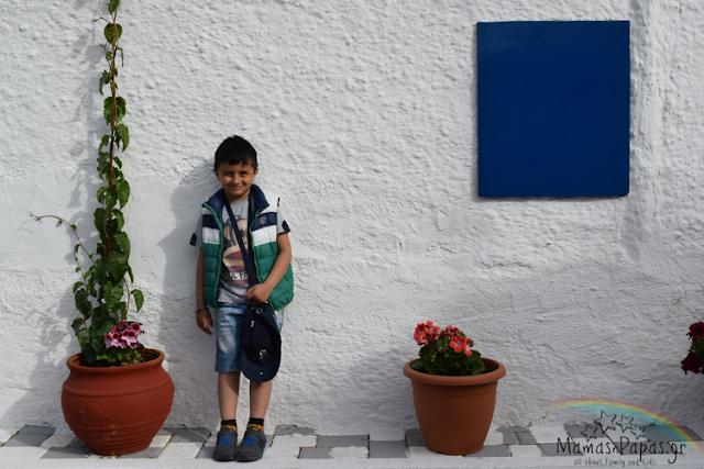 Βόλτα με το ιστιοπλοϊκό στην Αίγινα μαζί με τα παιδιά